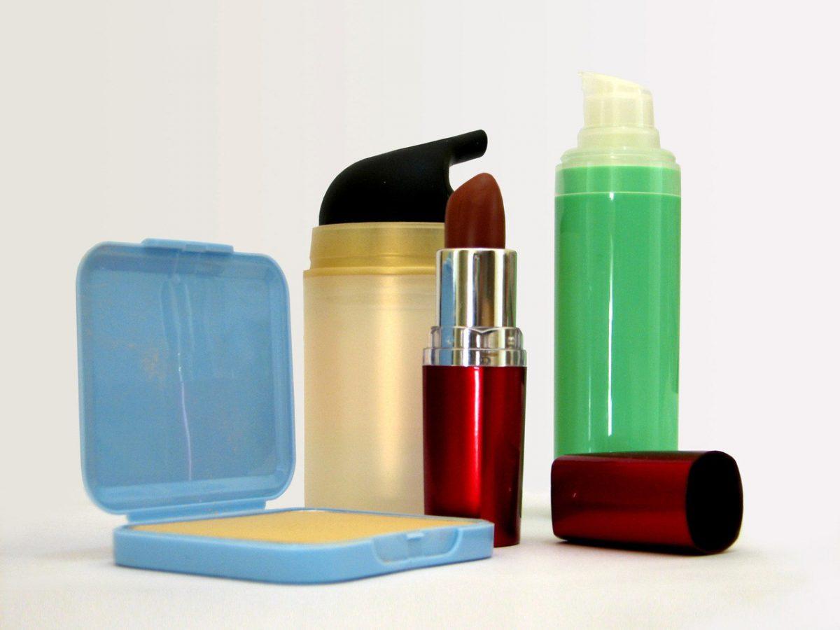 Przegląd kosmetyczki – preparaty, które mogą szkodzić